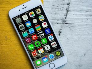 Hướng dẫn cách chuyển danh bạ, số điện thoại từ điện thoại Android sang iPhone