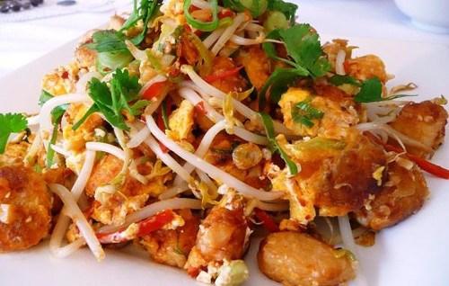 Bánh cà rốt chiên – món ăn không thể bỏ lỡ khi đến Singapore