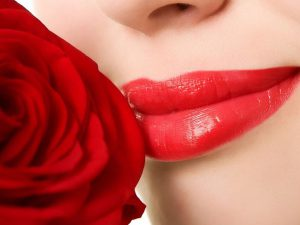 Mẹo trị thâm môi làm môi đỏ hồng tự nhiên tại nhà an toàn